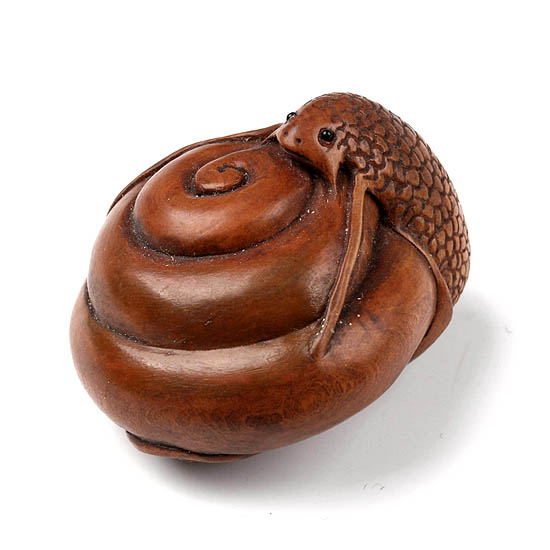 Handwork carved boxwood wood netsuke carving cute snail